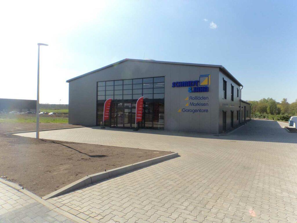 Industriebau-Produktionshalle mit Ausstellung